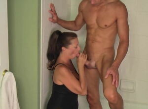 Moms giving blowjobs